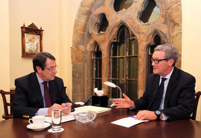 Σε αδιέξοδο οι συνομιλίες Αναστασιάδη-Ντάουνερ για το Κυπριακό   tanea.gr