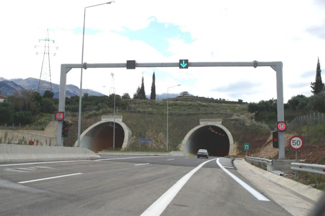 Στη Βουλή προς κύρωση οι νέες συμβάσεις για τους αυτοκινητόδρομους | tanea.gr