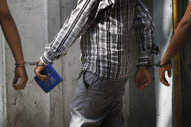 Σύλληψη πρώην παράγοντα του ΠΑΟΚ για χρέη στο Δημόσιο | tanea.gr