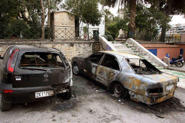Εμπρηστική επίθεση σε όχημα του ΑΠΘ   tanea.gr