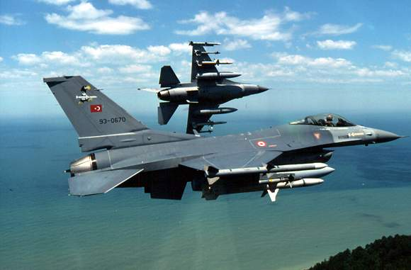 Πρόκληση των Τούρκων: έστειλαν μαχητικά πάνω από τους Φούρνους | tanea.gr