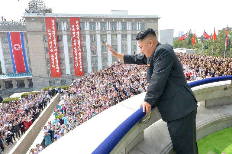 Ο ηγέτης της Βόρειας Κορέας καθαίρεσε τον πανίσχυρο θείο και μέντορά του | tanea.gr