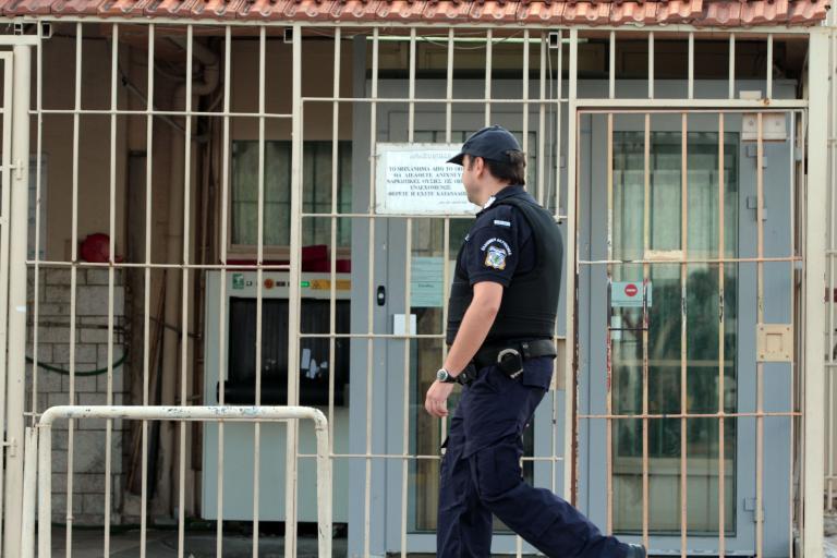 Σε αγροτικές φυλακές θα μεταχθούν 502 κρατούμενοι   tanea.gr