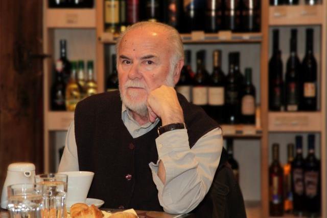 Μιχάλης Γκανάς: Ο ποιητής είναι κατοστάρης | tanea.gr