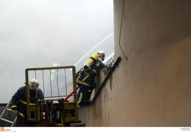 Νεκρή ηλικιωμένη από φωτιά σε παράπηγμα στον Ασπρόπυργο | tanea.gr