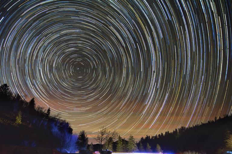 Ορατή και στην Ελλάδα η τελευταία βροχή διαττόντων αστέρων για το 2013   tanea.gr