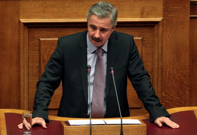 Ο Μανιάτης επιμένει: «Μπορούν να γίνουν 10.000 επανασυνδέσεις ρεύματος σε 10 ημέρες»   tanea.gr