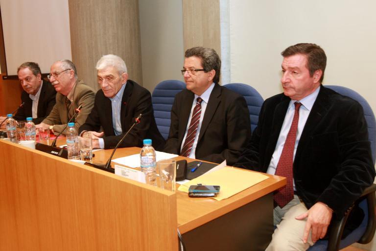 «Δημαγωγία» η πληρωμή κομμένων λογαριασμών της ΔΕΗ από τους δήμους, λένε οι πέντε δήμαρχοι   tanea.gr