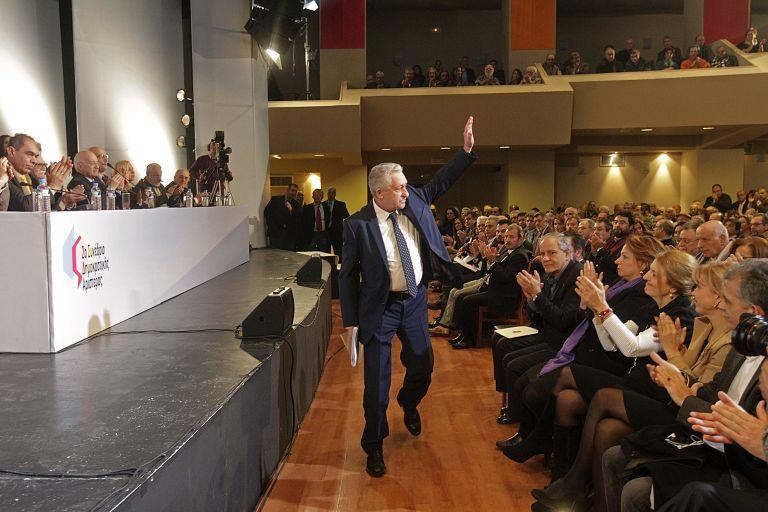 Με ομιλία Κουβέλη και χαιρετισμούς εκπροσώπων των κομμάτων άρχισε το 2ο συνέδριο της ΔΗΜΑΡ | tanea.gr