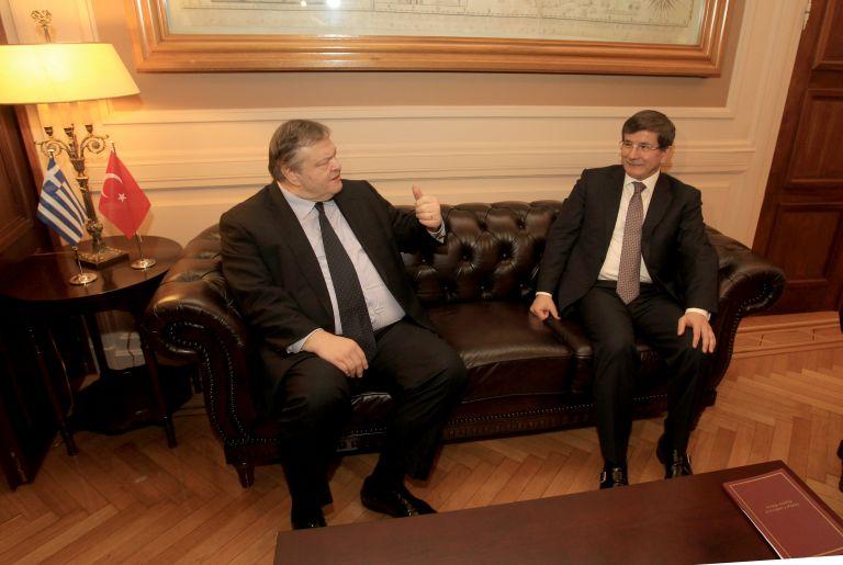 Συνάντηση Βενιζέλου - Νταβούτογλου στο υπουργείο Εξωτερικών | tanea.gr