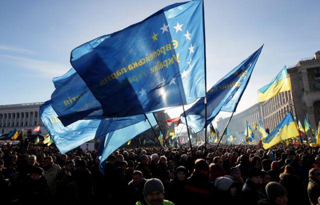Αναστέλλει η ΕΕ τις συνομιλίες για τη συμφωνία σύνδεσης με την Ουκρανία | tanea.gr