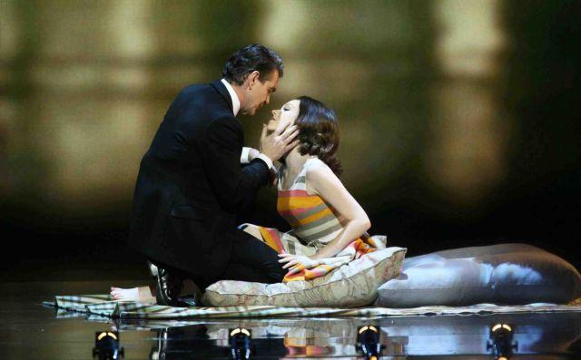 Το σκάνδαλο Προφιούμο με τραγούδι και χορό, διά χειρός Αντριου Λόιντ Βέμπερ   tanea.gr