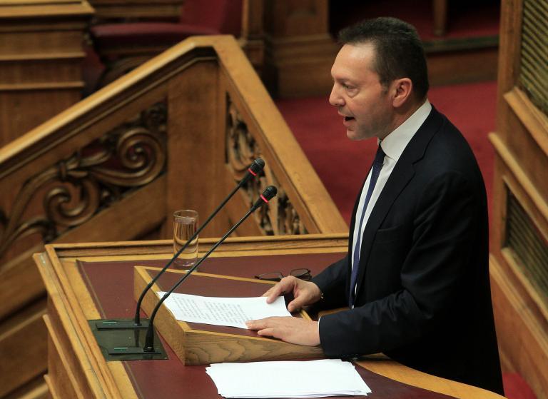 Δεν αποσύρει τη διάταξη για τα υπέρογκα πρόστιμα των ληξιπρόθεσμων χρεών προς την Εφορία ο Στουρνάρας | tanea.gr