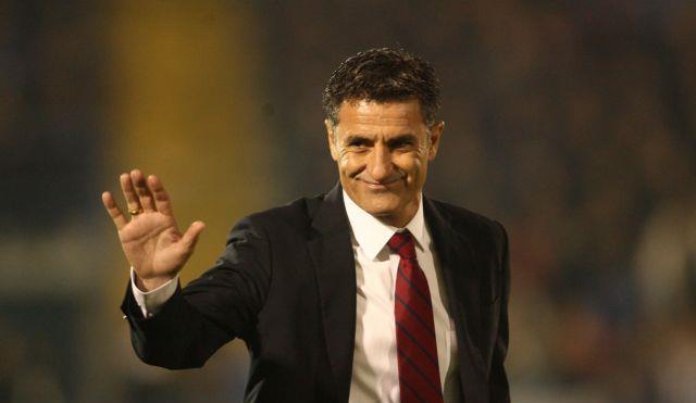 «Η Χρυσή Μπάλα είναι ψεύτικο βραβείο», υποστήριξε ο προπονητής του Ολυμπιακού Μίτσελ | tanea.gr