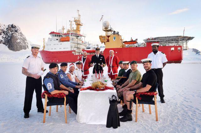 Χριστουγεννιάτικο ρεβεγιόν στην Ανταρκτική για το πλήρωμα βρετανικού πλοίου | tanea.gr