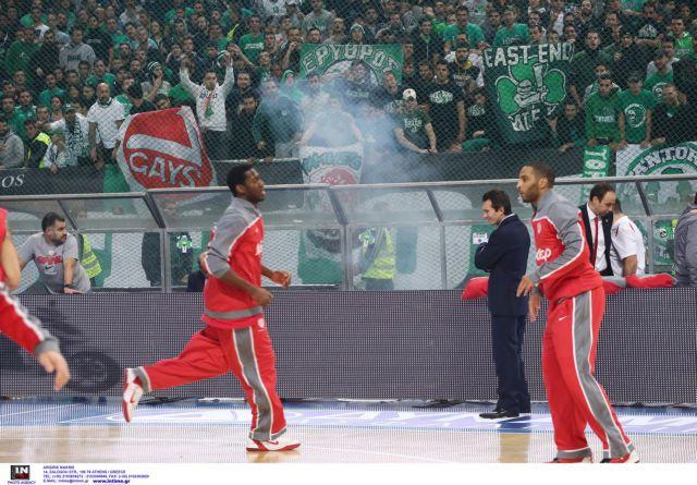 Μια αγωνιστική και πρόστιμο 12.700 ευρώ στον ΠΑΟ για τα επεισόδια με τον Ολυμπιακό στο ΟΑΚΑ   tanea.gr