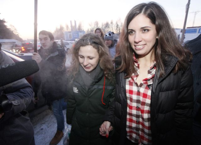 Αποφασισμένες να πολεμήσουν τον Πούτιν, δηλώνουν οι Pussy Riot   tanea.gr