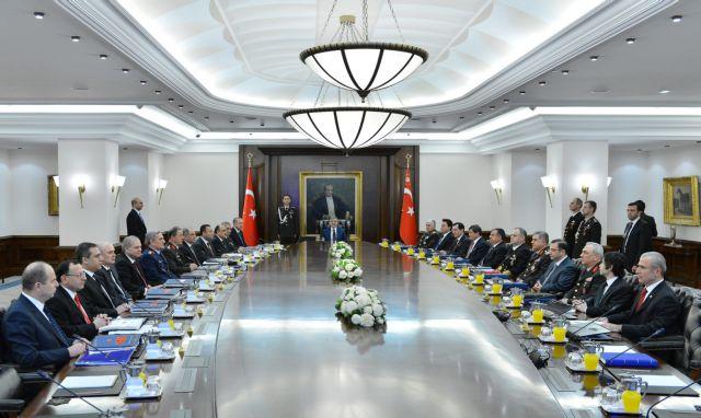 Τουρκία: Συνεχίζονται οι παραιτήσεις βουλευτών του κυβερνώντος κόμματος   tanea.gr