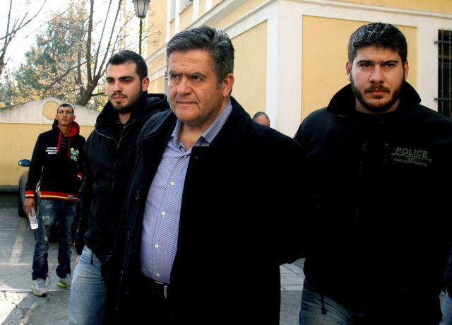 Τομπούλογλου: «Ή θα δώσουν ή θα τους καταστρέψω» | tanea.gr