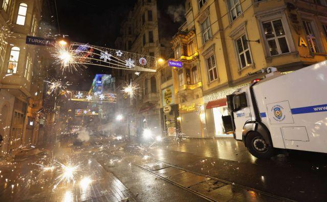 Τουρκία: Γέφυρα Ερντογάν προς τους στρατηγούς   tanea.gr
