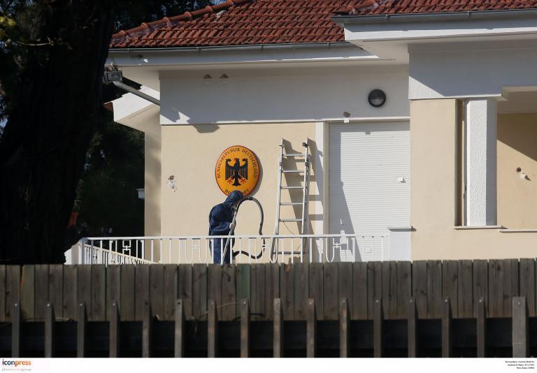 Γερμανικό υπ. Εξωτερικών: «Η Ελλάδα ανταποκρίνεται στην υποχρέωσή της για ασφάλεια των ξένων αποστολών»   tanea.gr