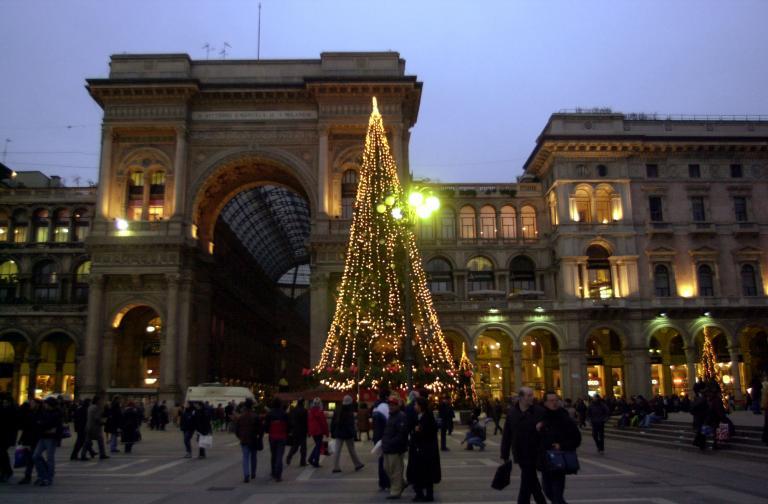 Ιταλία: Μειωμένα κατά 8% ήταν σε σχέση με πέρυσι τα έξοδα για το χριστουγεννιάτικο τραπέζι   tanea.gr