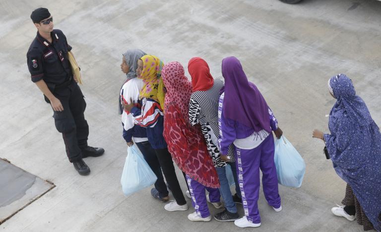 Τουρκία και ΕΕ συμφώνησαν να επαναπροωθούν απο την επικράτειά τους παράνομους μετανάστες | tanea.gr