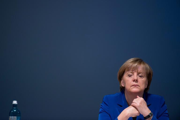 Την Ανγκελα Μέρκελ θα συναντήσει ο Τζον Κέρι την Παρασκευή στο Βερολίνο | tanea.gr