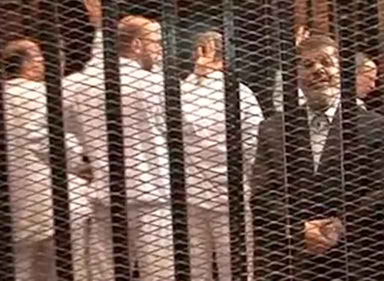 Αίγυπτος: Στο εδώλιο θα οδηγηθεί ο Μόρσι για εξύβριση δικαστών | tanea.gr