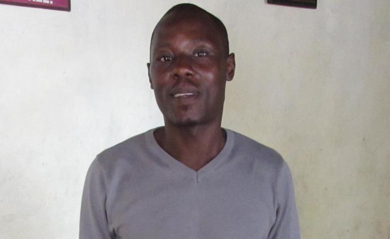 Πέθανε απομονωμένος ο καμερουνέζος ομοφυλόφιλος ακτιβιστής Ζαν-Κλοντ Ροζέρ Μπεντέ | tanea.gr