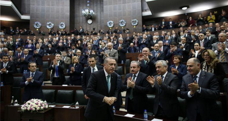 Ανοιγμα-ελιγμός Ερντογάν στην αντιπολίτευση για τις αλλαγές στη λειτουργία της Δικαιοσύνης | tanea.gr