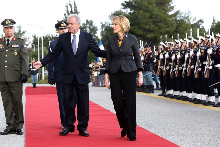 Αβραμόπουλος: «Νέο κεφάλαιο στις σχέσεις Ελλάδας - Αλβανίας»   tanea.gr