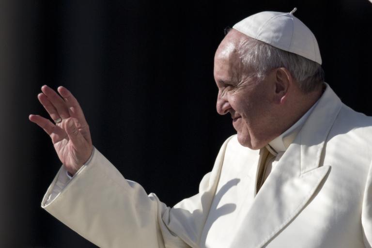 Τα σκάνδαλα αποτελούν «ντροπή για την Εκκλησία», σύμφωνα με τον Πάπα   tanea.gr