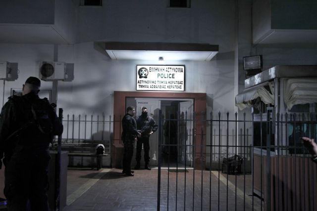 Διαψεύδει ο Μανώλης Καραμολέγκος ότι οι απαγωγείς είχαν εργαστεί στην εταιρεία του   tanea.gr