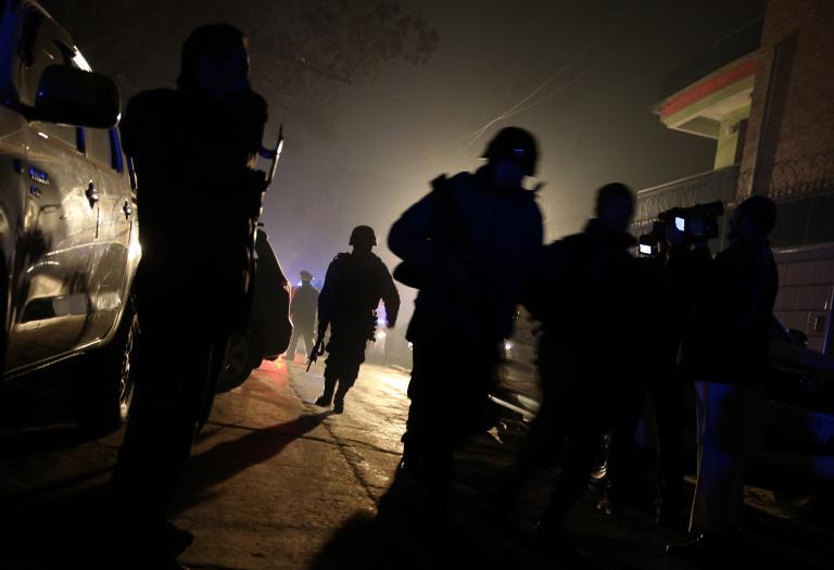 Μία ισχυρή έκρηξη και ανταλλαγές πυρών συγκλόνισαν το κέντρο της Καμπούλ | tanea.gr