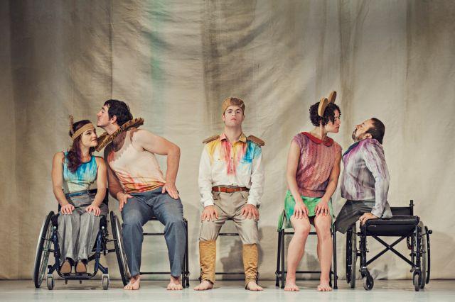 Η διαφορετικότητα βρίσκει τη θέση της πάνω στη σκηνή | tanea.gr