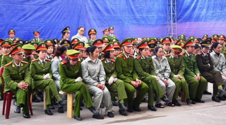 Βιετνάμ: Σε θάνατο καταδικάστηκαν 30 διακινητές ηρωίνης | tanea.gr