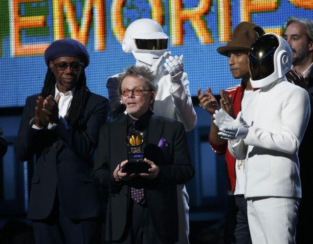 Θρίαμβος των Daft Punk, επανένωση των... Beatles και 34 γάμοι επί σκηνής στα 56α βραβεία Grammy | tanea.gr