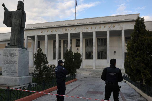 Εκρηξη στο δικαστικό μέγαρο Κορίνθου   tanea.gr