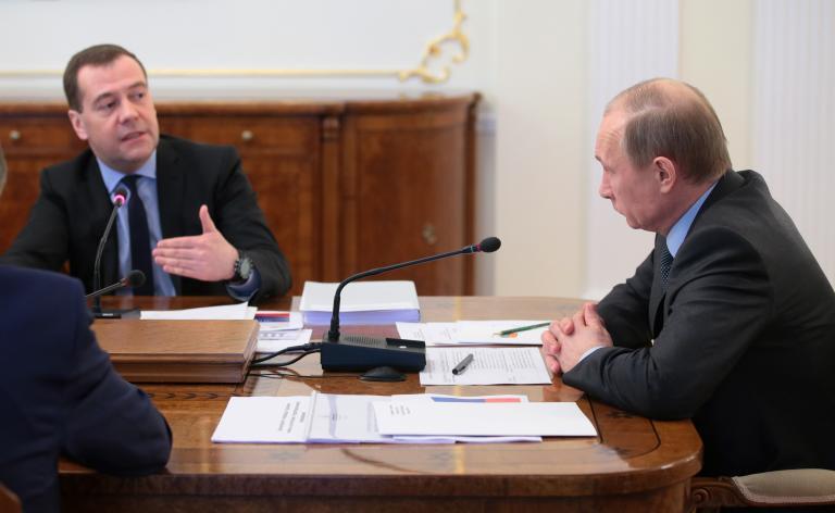 Ηξεις αφήξεις της Μόσχας για το δάνειο των 15 δισ. δολαρίων προς την Ουκρανία | tanea.gr