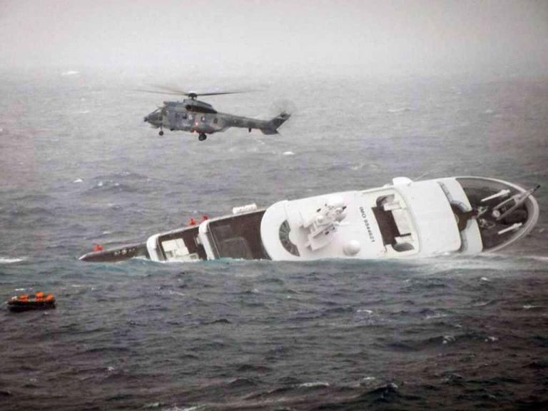 Στον πλοίαρχο του μότορσιπ «STELLA» ανήκει το πτώμα που βρέθηκε στη Θήρα | tanea.gr