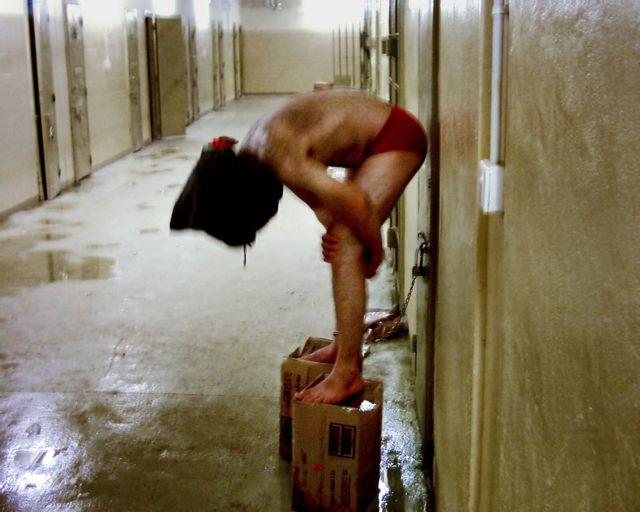 Εκθεση-σοκ: Χιλιάδες γυναίκες κρατούνται παράνομα και βασανίζονται στις ιρακινές φυλακές   tanea.gr