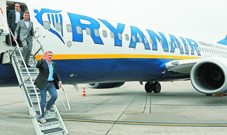 Στα 12 ευρώ «προσγείωσε» η Ryanair το εισιτήριο για Αθήνα - Θεσσαλονίκη | tanea.gr