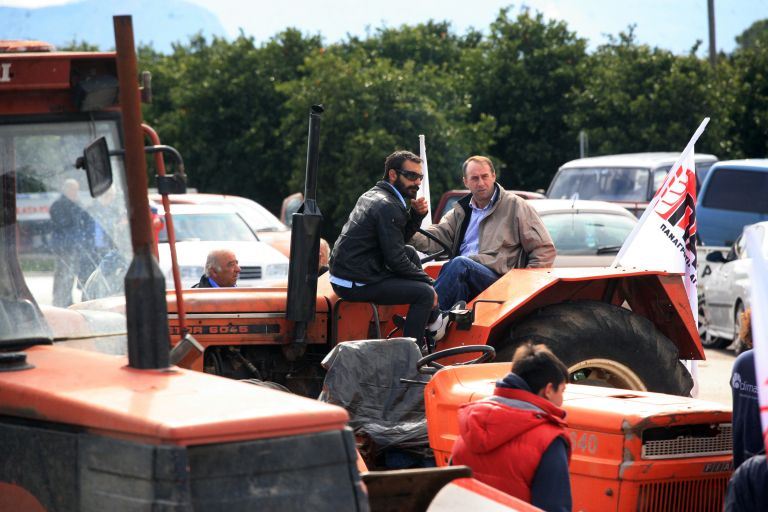 Εντείνουν τις κινητοποιήσεις τους οι αγρότες στην Πελοπόννησο   tanea.gr