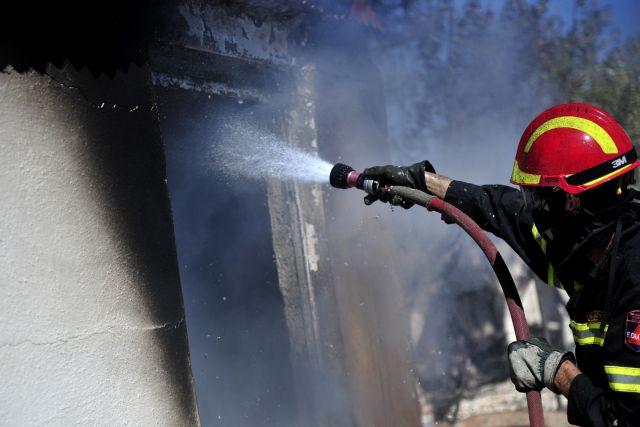 Υπό έλεγχο η πυρκαγιά σε υπόγειο στο Περιστέρι | tanea.gr