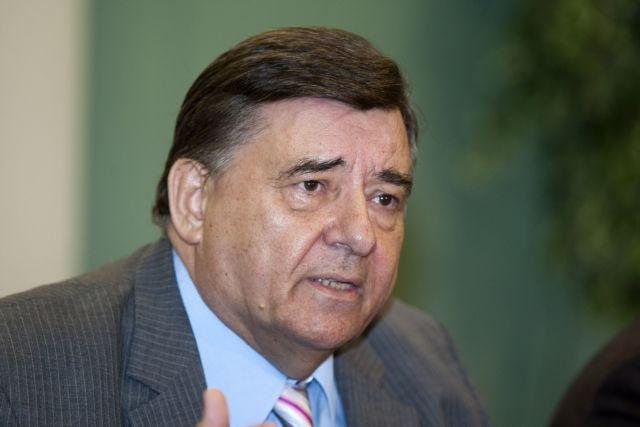 Το ενδεχόμενο να είναι υποψήφιος στις ευρωεκλογές στην Κύπρο συζητά ο Καρατζαφέρης | tanea.gr