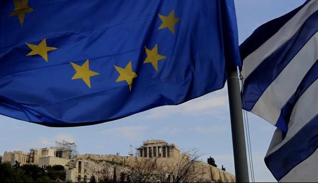 Bloomberg: H Ευρώπη δεν πρέπει να αφήσει την Ελλάδα να «πνιγεί» στο χρέος | tanea.gr
