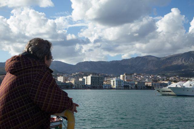 «-Γιατί μετέφερες παράνομους μετανάστες, Αντώνη; -Παρασύρθηκα από το χρήμα»   tanea.gr