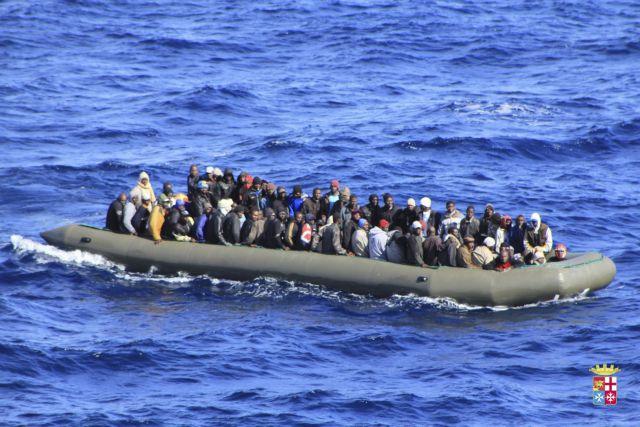 Περισσότερους από 1.100 μετανάστες διέσωσε το Πολεμικό Ναυτικό στη Σικελία   tanea.gr