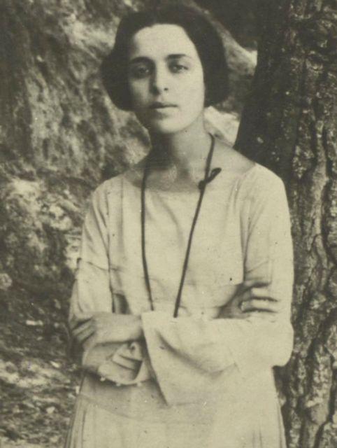 Η επιστροφή της Μαρίας Πολυδούρη   tanea.gr